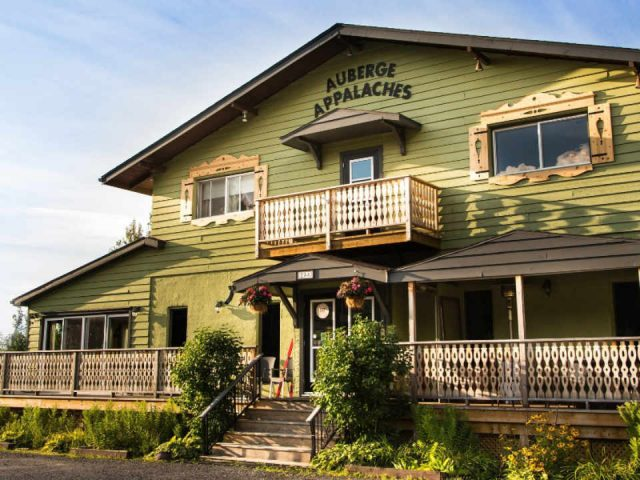 Food restaurant Auberge des Appalaches Sutton Quebec ulocal local produce local purchase local produce