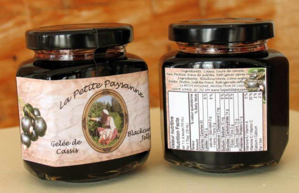 Producer of blackcurrant fruit food shop La Petite Paysanne Saint-Sophie Ulocal local product local purchase