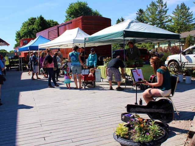 public markets extraordinary day for the market with live music minto farmers market palmerston ontario canada ulocal local products local purchase local produce locavore tourist