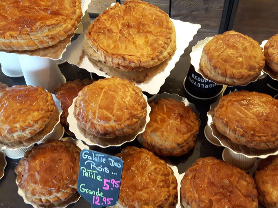 artisan bakeries pastries of the day galette des rois boulangerie a chacun son pain galeries quebec quebec canada ulocal local products local purchase local produce locavore tourist
