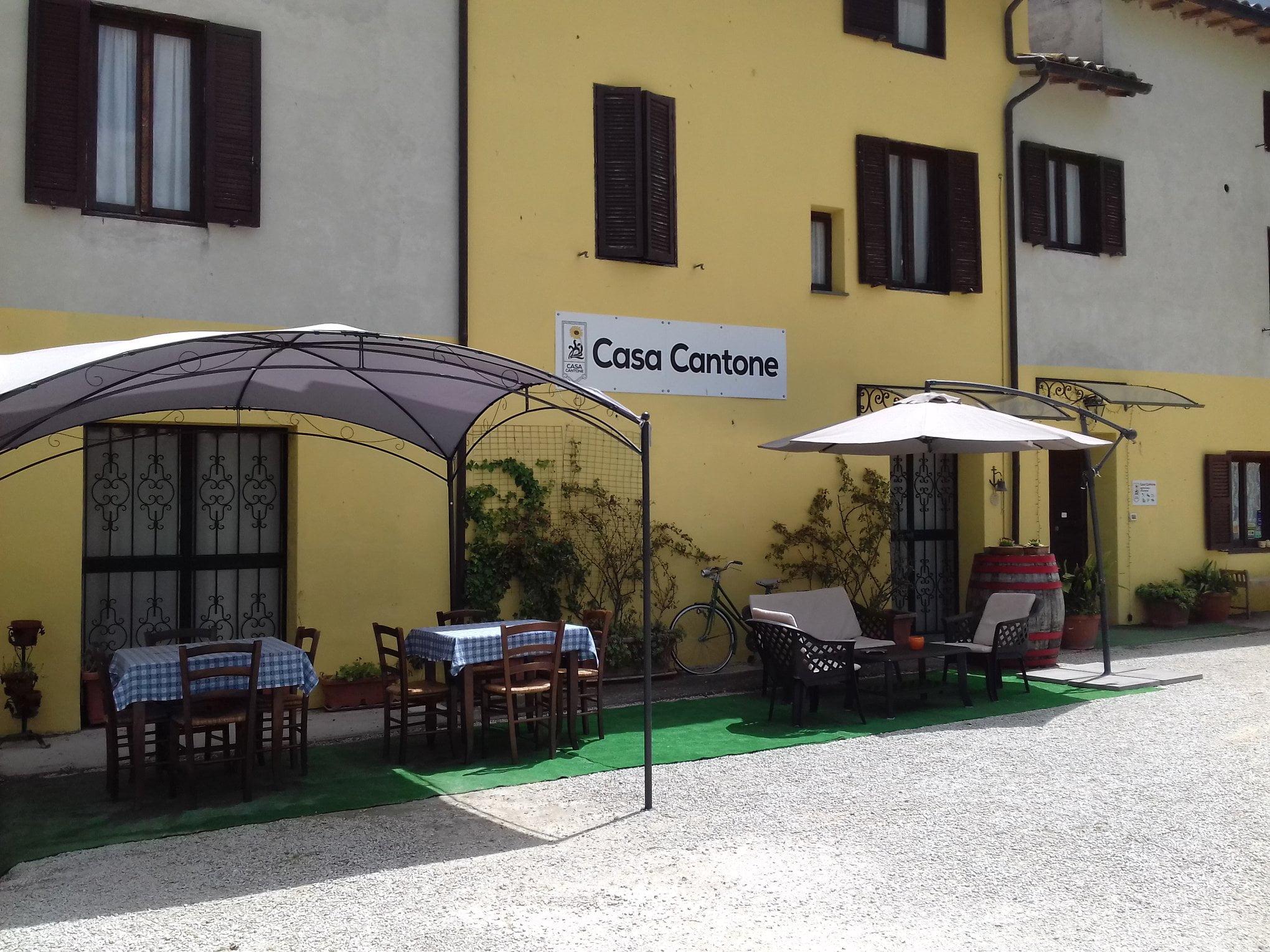 Restaurant alimentation Agriturismo CASA Cantone Bevagna PG Italie ulocal produit local achat local