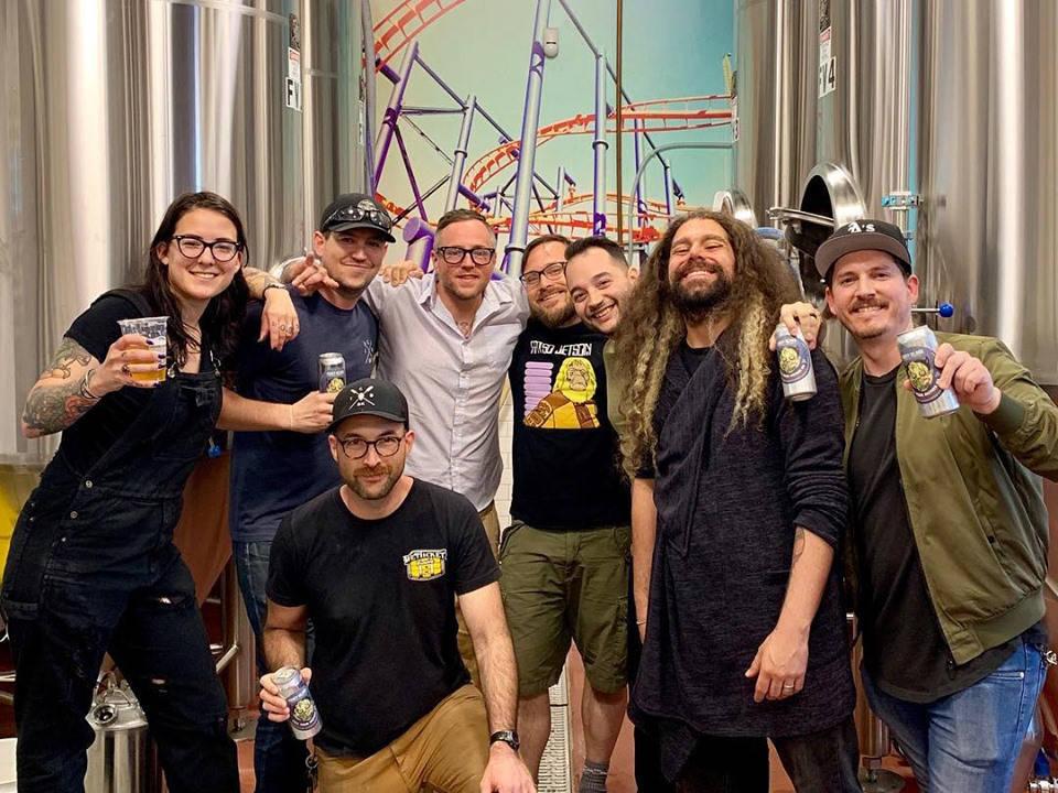 microbrasseries l'équipe de la microbrasserie coney island brewing co brooklyn new york états unis ulocal produits locaux achat local produits du terroir locavore touriste