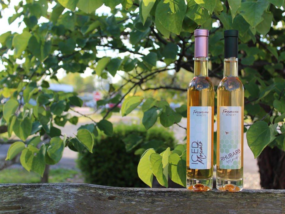 vignoble 2 bouteilles de vin dessert dans un decor naturel fossenvue winery lodi new york états unis ulocal produits locaux achat local produits du terroir locavore touriste