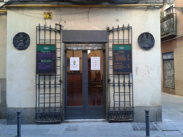 Restaurant Bar food La Tragona Madrid Spain Ulocal local product local purchase