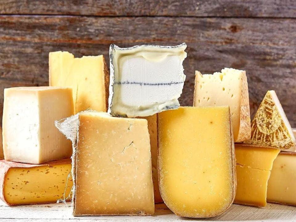 fromagerie assortiment de fromages artisanaux murrays cheese shop greenwich village new york new york états unis ulocal produits locaux achat local produits du terroir locavore touriste