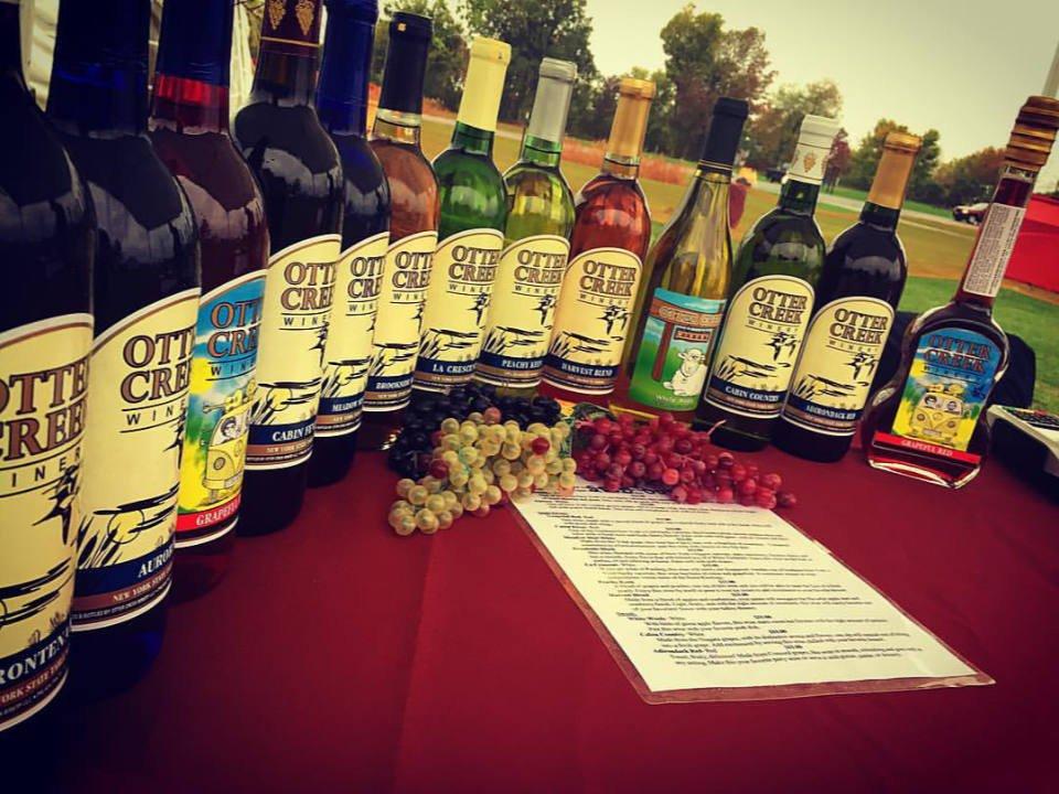 vignoble assortiment de bouteilles de vin du vignoble otter creek winery philadelphia new york états unis ulocal produits locaux achat local produits du terroir locavore touriste