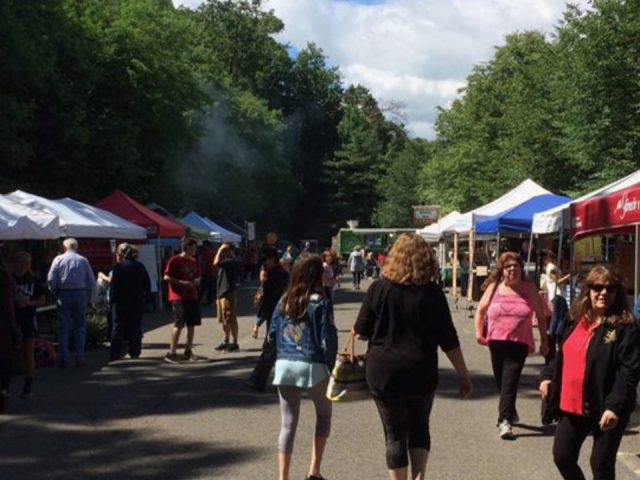 public markets busy and sunny day at the market paramus farmers market paramus new jersey united states ulocal local products local purchase local produce locavore tourist