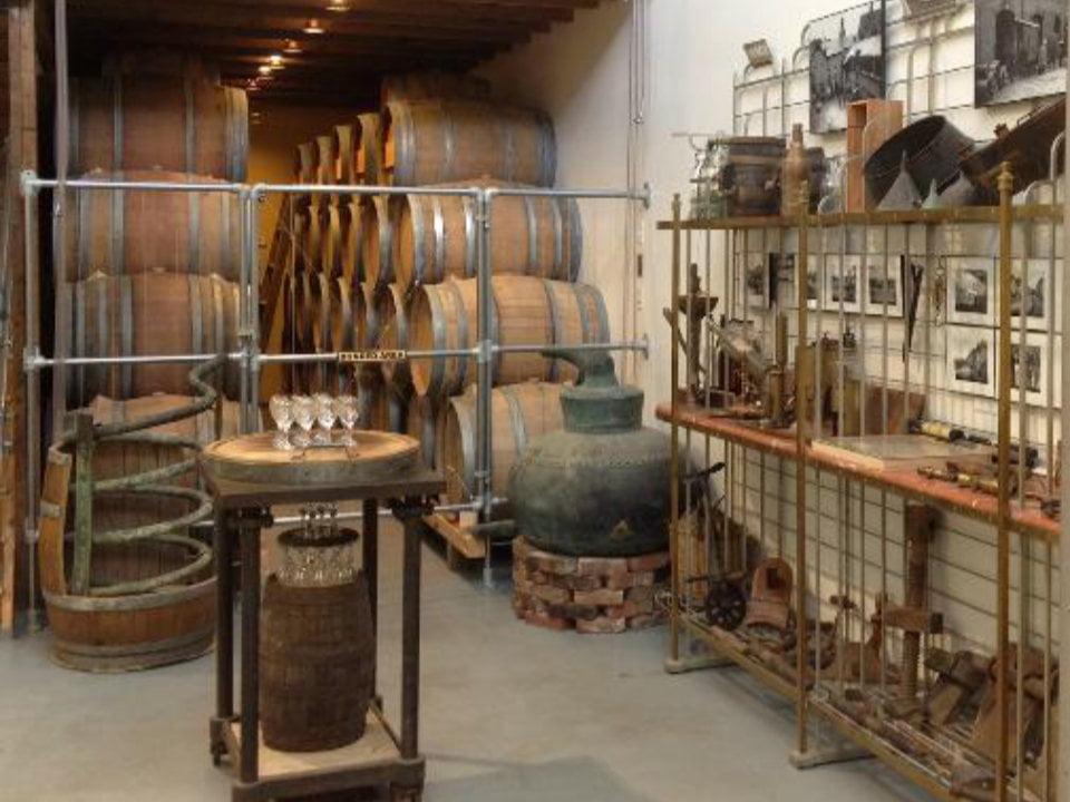 vignoble pièces de collection de la fabrication du vin musée ports of new york winery ithaca new york états unis ulocal produits locaux achat local produits du terroir locavore touriste