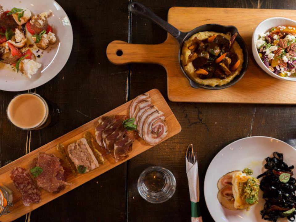 Restaurant food Sim's Irish Pub Joliette Ulocal local product local purchase