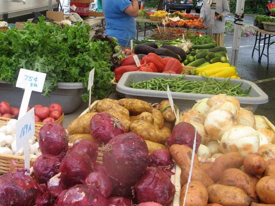 marché public kiosque de fruits et légumes teaneck farmers market teaneck new jersey états unis ulocal produits locaux achat local produits du terroir locavore touriste