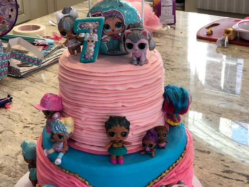 pastry shops cake with little dolls this chick bakes long island city new york united states ulocal local products local purchase local produce locavore tourist