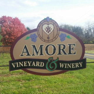 vignoble logo amore vineyards and winery nazareth pennsylvanie états unis ulocal produits locaux achat local produits du terroir locavore touriste
