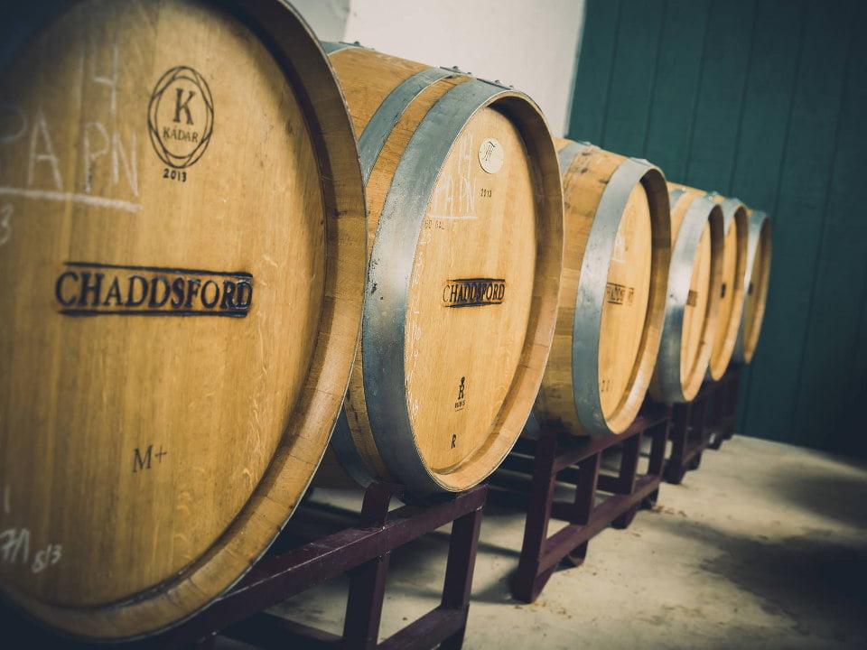 vignoble tonneaux de bois dans la cave à vin chaddsford winery chadds ford pennsylvanie états unis ulocal produits locaux achat local produits du terroir locavore touriste