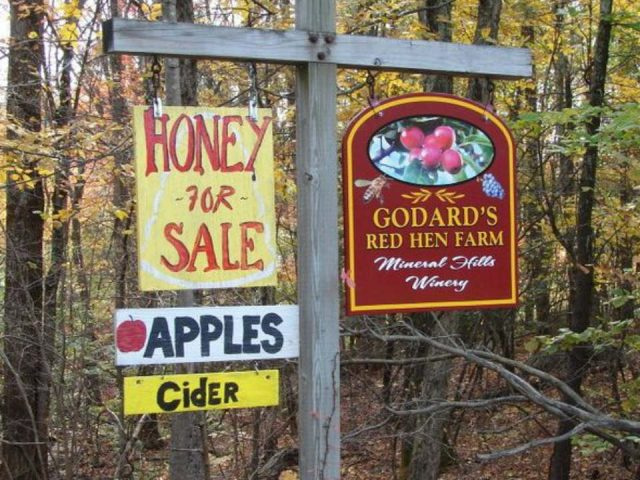 vineyards outdoor sign of the farm honey and vineyard mineral hills winery florence massachusetts united states ulocal local products local purchase local produce locavore tourist