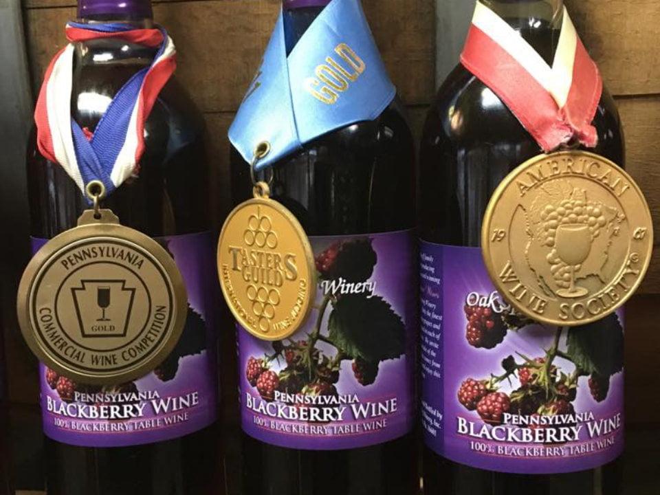 vignoble bouteilles de vin blackberry primées oak spring winery altoona pennsylvanie états unis ulocal produits locaux achat local produits du terroir locavore touriste