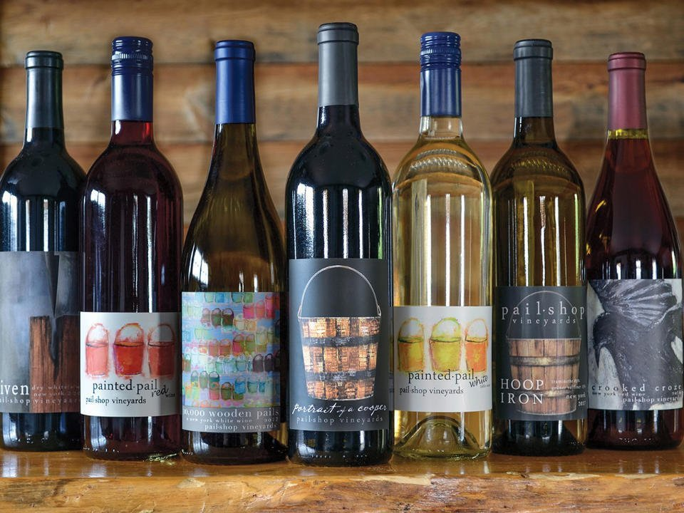 vignoble assortiment de bouteilles de vin du vignoble pailshop vineyards fly creek new york états unis ulocal produits locaux achat local produits du terroir locavore touriste