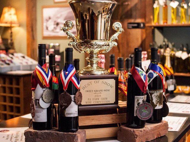 vignoble assortiment de bouteilles de vin primées du vignoble pinnacle ridge winery kutztown pennsylvanie états unis ulocal produits locaux achat local produits du terroir locavore touriste