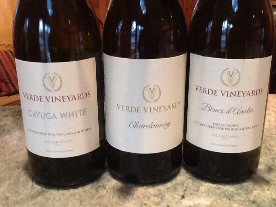 vignoble 3 bouteilles de vin du vignoble verde vineyards johnston rhode island états unis ulocal produits locaux achat local produits du terroir locavore touriste