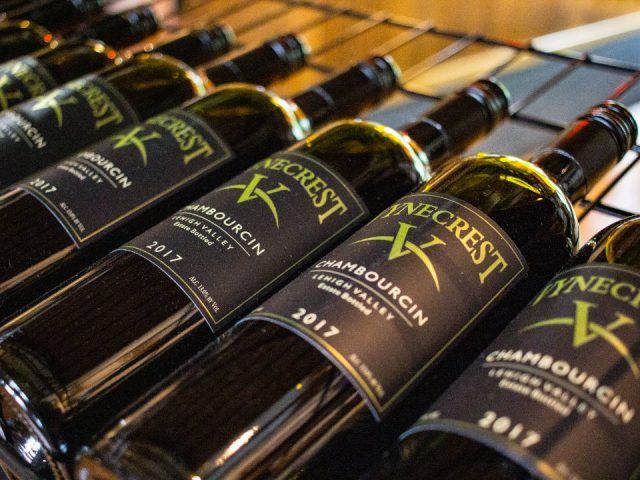 vignoble bouteilles de vin rouge du vignoble vynecrest winery breinigsville pennsylvanie états unis ulocal produits locaux achat local produits du terroir locavore touriste