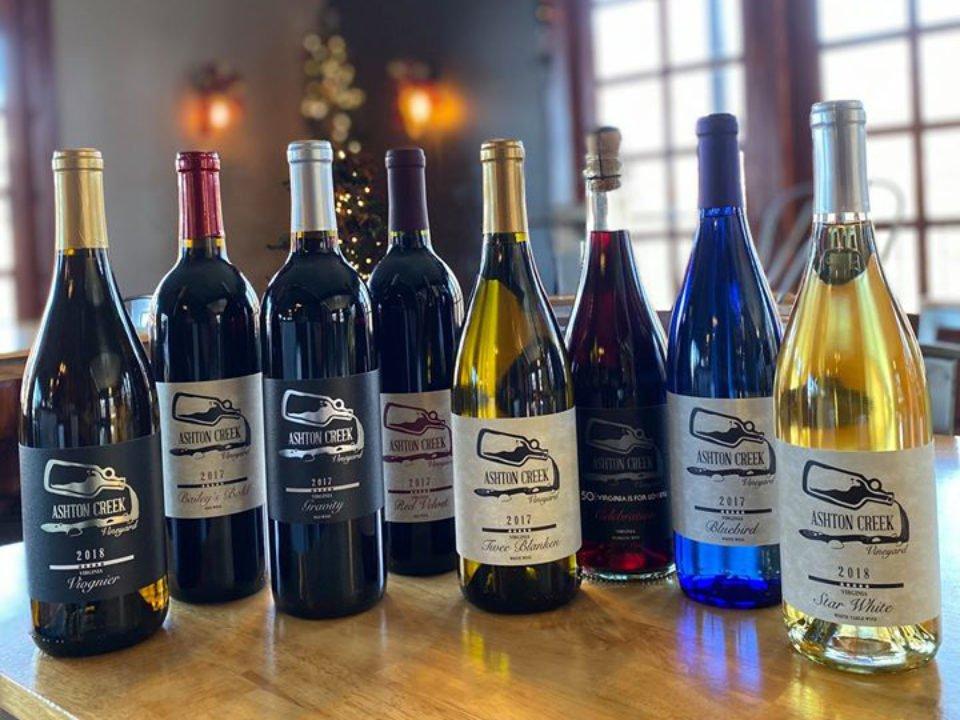 vignoble assortiment de 8 bouteilles de vin du vignoble pour les dégustations ashton creek vineyard chester virginie états unis ulocal produits locaux achat local produits du terroir locavore touriste