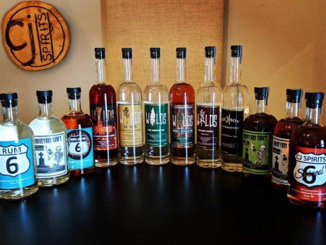 alcool assortiment de bouteilles de spiritueux cj spirits kane pennsylvanie états unis ulocal produits locaux achat local produits du terroir locavore touriste