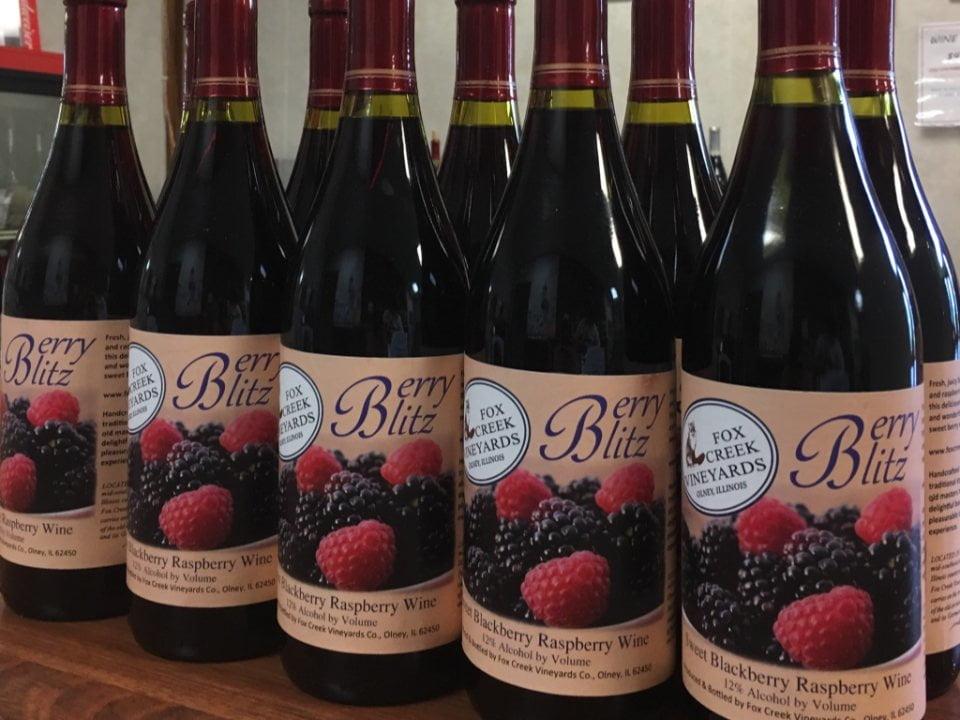 vignoble bouteilles de vin de fruits du vignoble fox creek vineyards olney illinois états unis ulocal produits locaux achat local produits du terroir locavore touriste