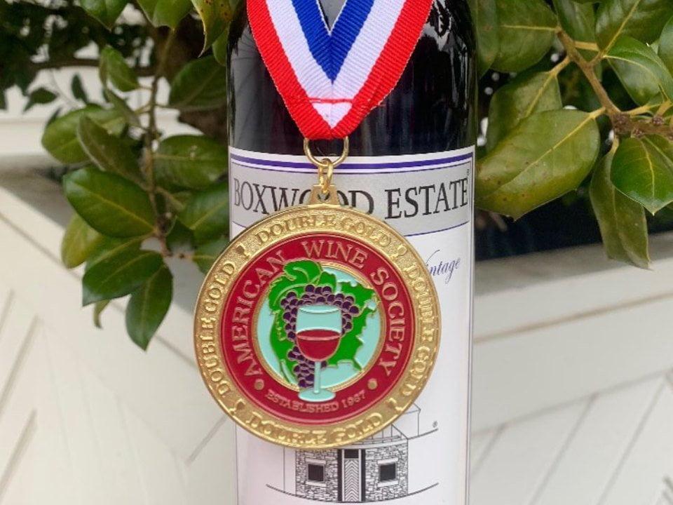 vignoble bouteille de vin rouge primée du vignoble boxwood estate winery middleburg virginie états unis ulocal produits locaux achat local produits du terroir locavore touriste