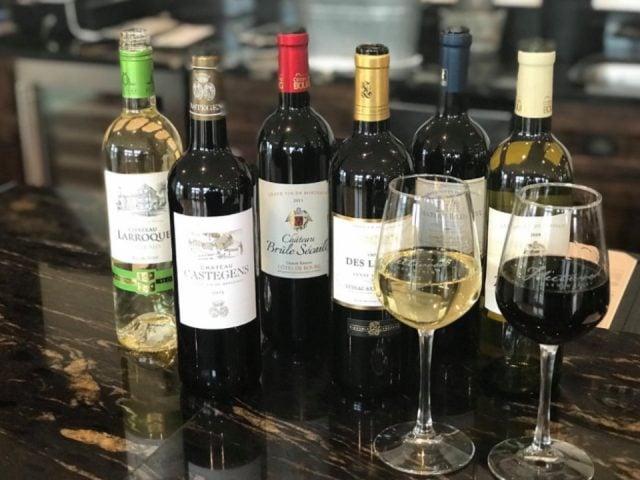 vignoble assortiment de bouteilles de vin du vignoble fleetwood farm winery leesburg virginie états unis ulocal produits locaux achat local produits du terroir locavore touriste