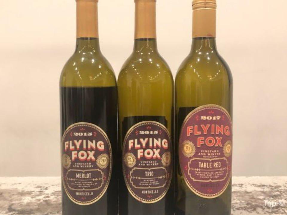 vignoble assortiment de 3 bouteilles de vin du vignoble flying fox vineyard afton virginie états unis ulocal produits locaux achat local produits du terroir locavore touriste