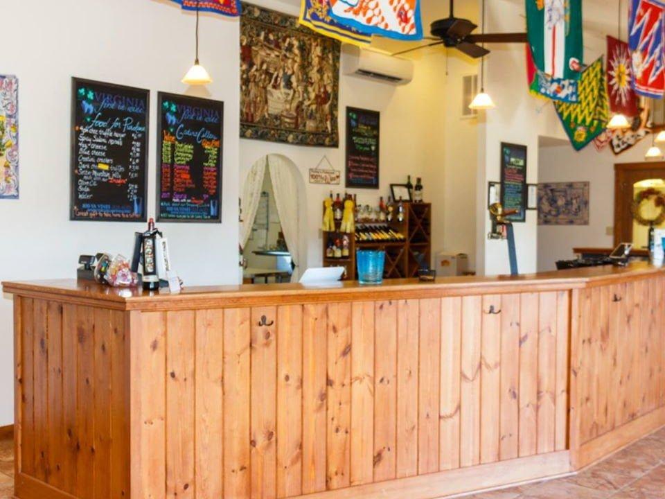 vineyards tasting room with wooden bar gadino cellars washington virginia united states ulocal local products local purchase local produce locavore tourist