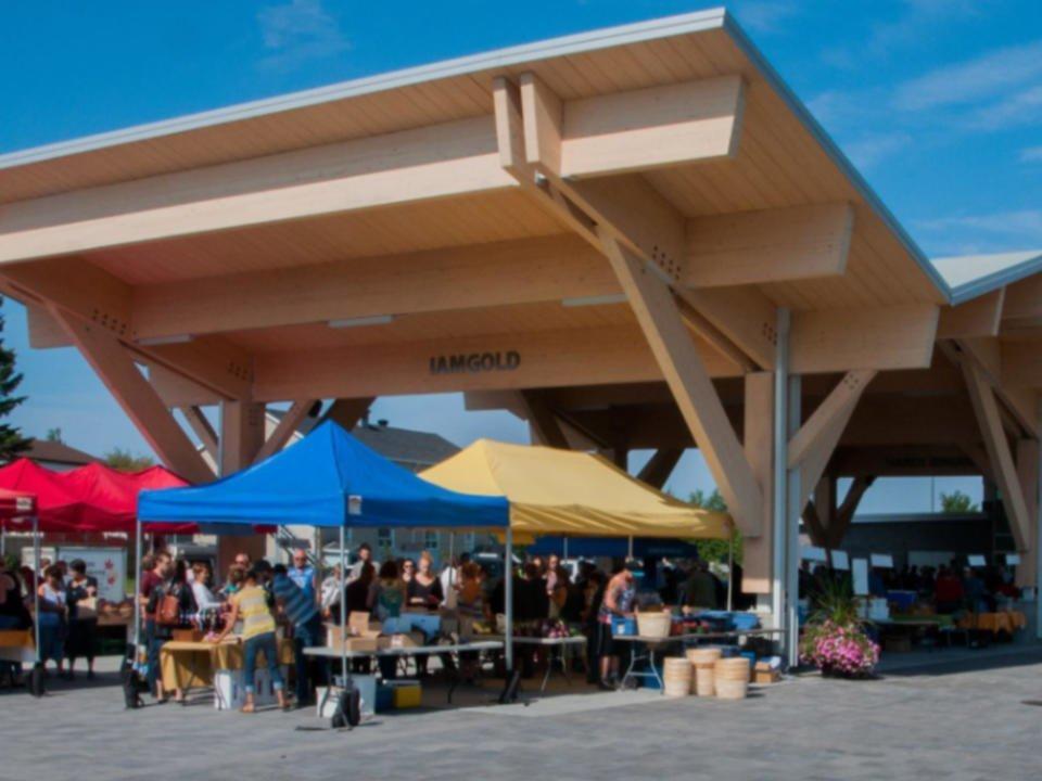 Public market open Sunday Vallée-de-l'Or public market Val-d'Or Quebec ulocal local product local purchase