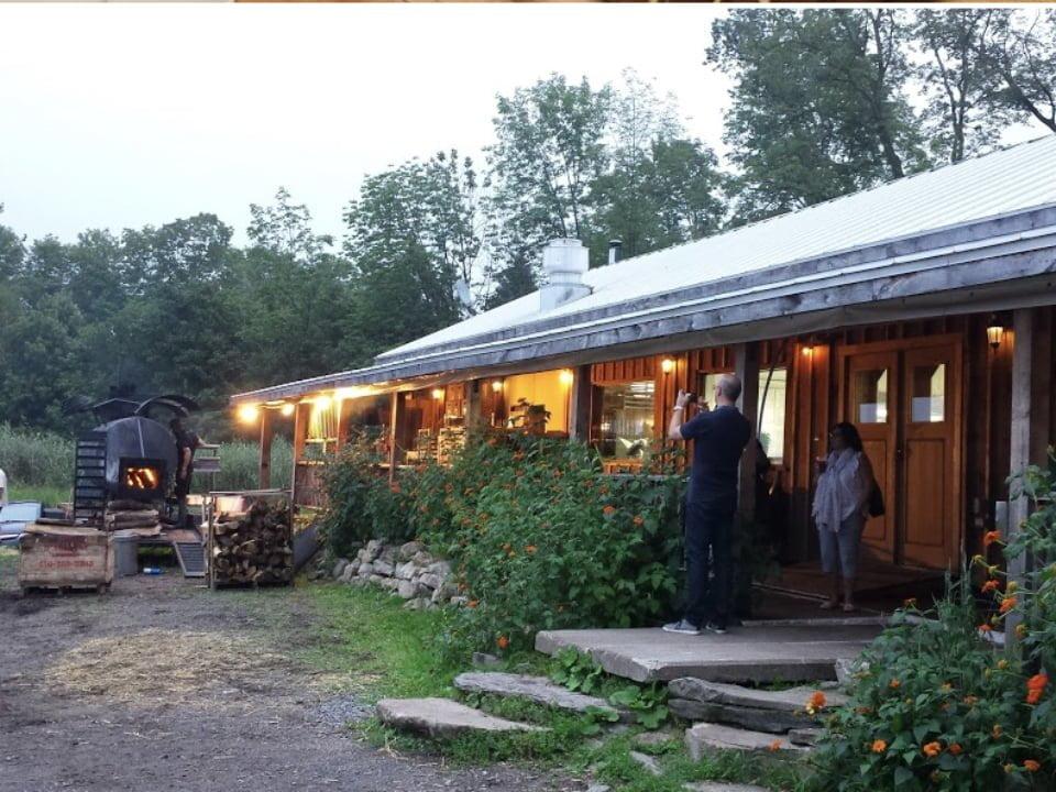 food sugar shack restaurant au pied de cochon mirabel quebec ulocal produit local achat local