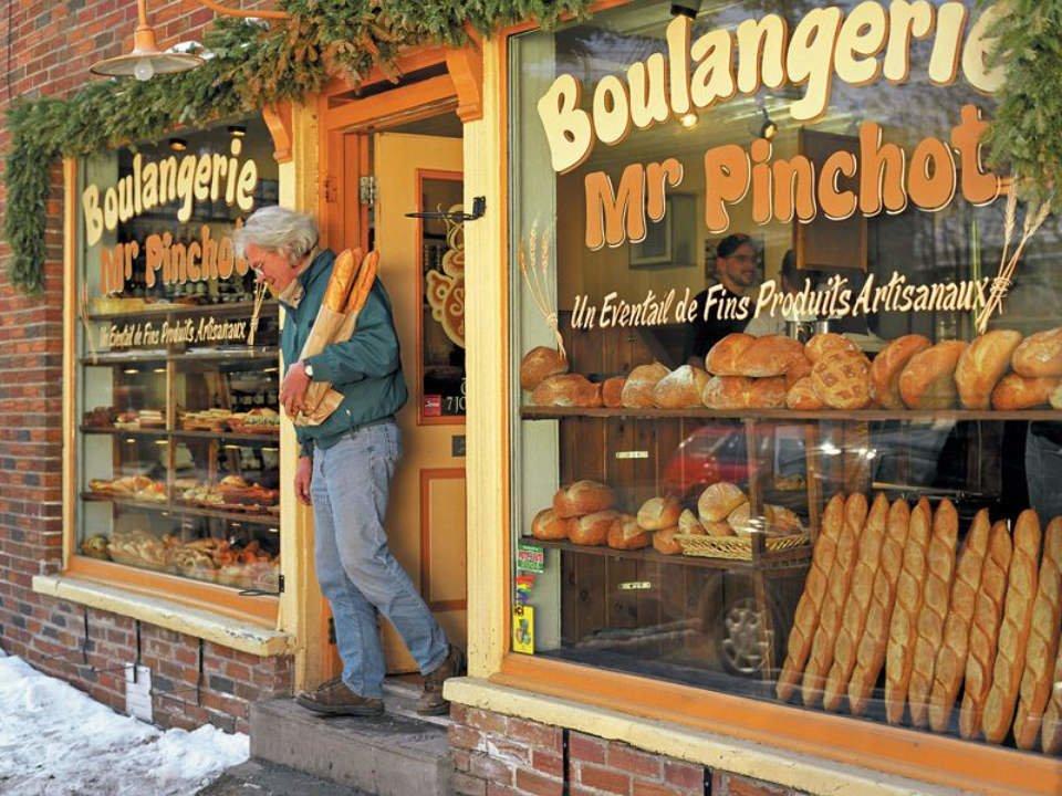 artisan bakeries bakery facade boulangerie mr pinchot montréal quebec canada ulocal local products local purchase local produce locavore tourist