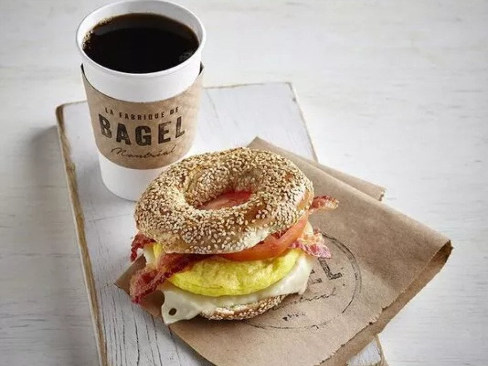 artisan bakeries bagel with coffee la fabrique de bagel montréal quebec canada ulocal local products local purchase local produce locavore tourist