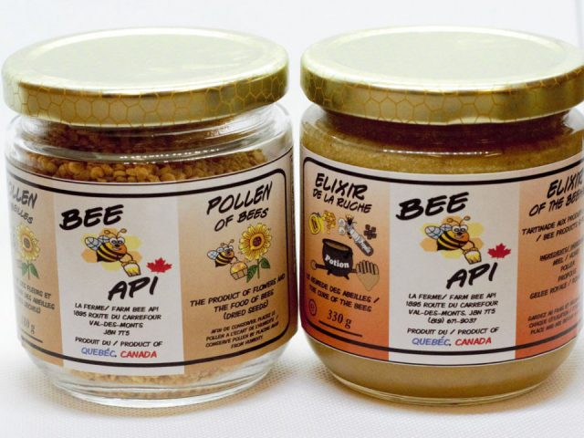 beekeeping 2 jars of honey la ferme bee api val-des-monts quebec canada ulocal local products local purchase local produce locavore tourist