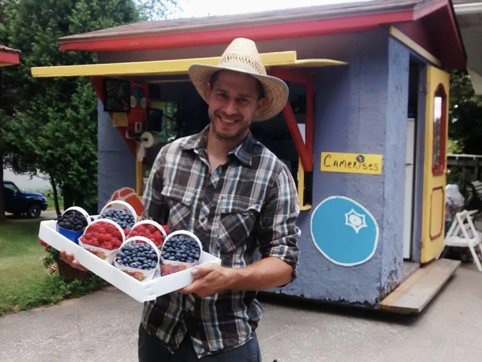 alimentation autocueillette fermiers de famille ferme bourdelais lavaltrie quebec ulocal produit local achat local