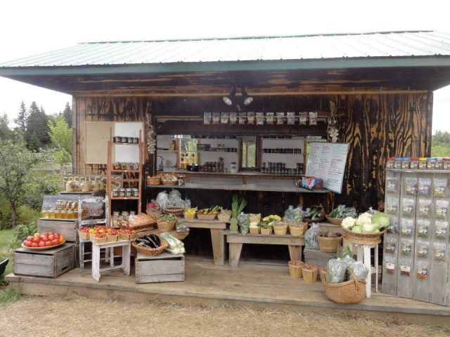 alimentation fermiers de famille vente de viandes produits biologiques ferme runaway creek arundel quebec ulocal produit local achat local