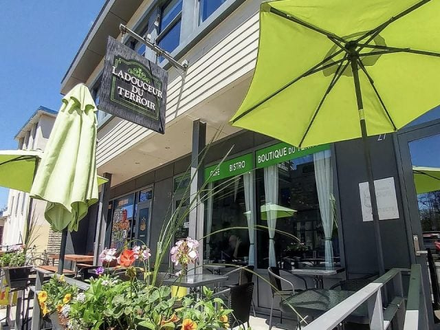food cafe restaurant food stores ladouceur du terroir saint eustache quebec ulocal local product local purchase