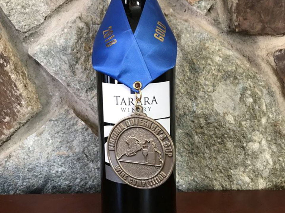 vineyards award-winning bottle of wine tarara vineyard and winery leesburg virginia united states ulocal local products local purchase local produce locavore tourist