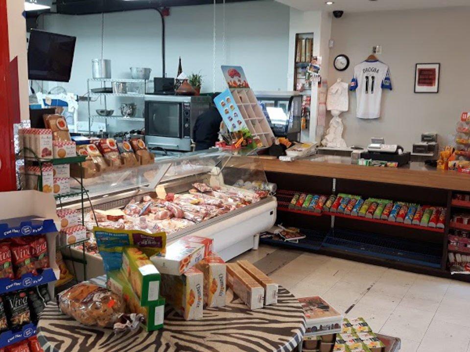 boucherie intérieur de la boucherie et épicerie fine boucherie de paris montreal quebec canada ulocal produits locaux achat local produits du terroir locavore touriste