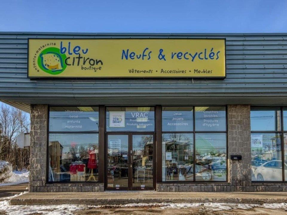Articles de bébé / enfant façade de la boutique boutique bleu citron Blainville quebec canada ulocal produits locaux achat local produits du terroir locavore touriste
