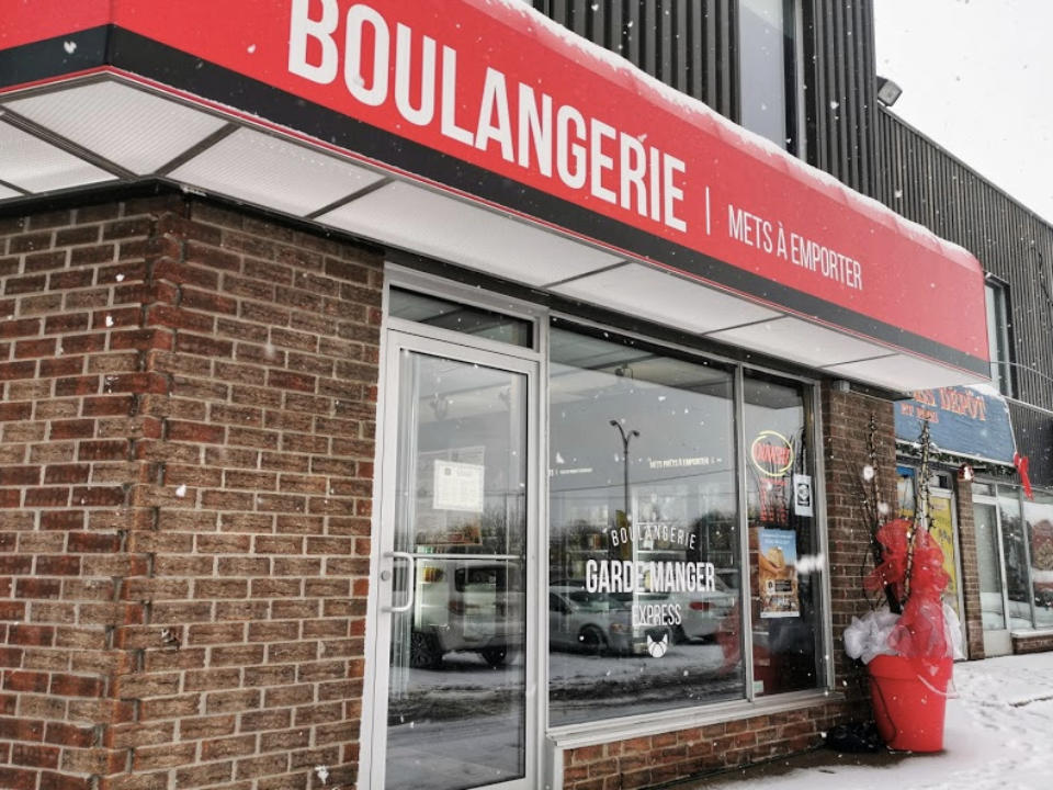 food artisan bakeries le garde manger express chambly quebec ulocal local product local purchase