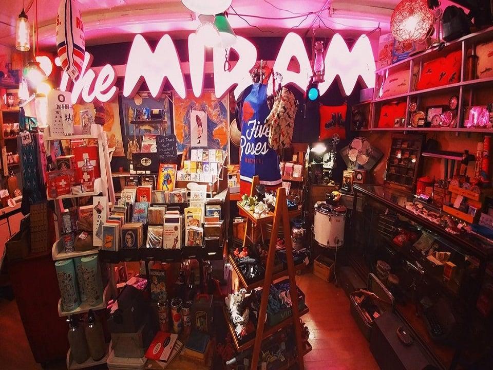 Boutique souvenirs KitschÀ l'Os... ou pas Montreal Québec ulocal produit local achat local